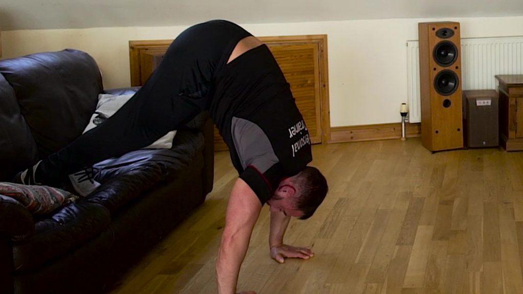 shoulder workout vertical press-up